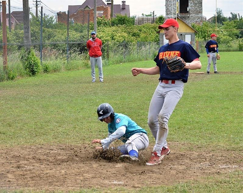 Буковинські бейсболісти - срібні призери юніорського Чемпіонату України