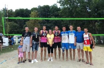 Другий тур CHERNIVTSI OPEN 2020 beach volley championship виграла пара Тарас Савків/Ярослав Савків (ФОТО)