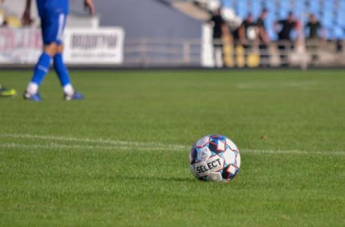 Футбольний чемпіонат України у другій лізі призупинено на невизначений термін