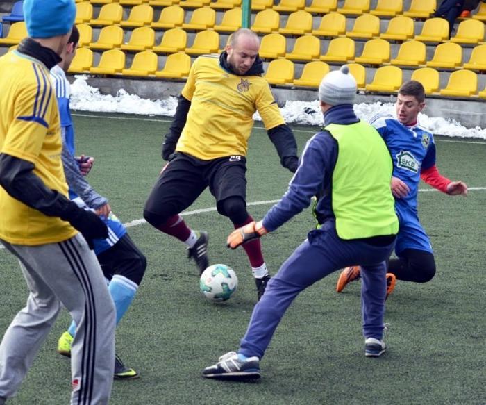 Зіграно перші матчі міні-футбольного чемпіонату Чернівецької області (ФОТО, РАХУНКИ, ТАБЛИЦІ)